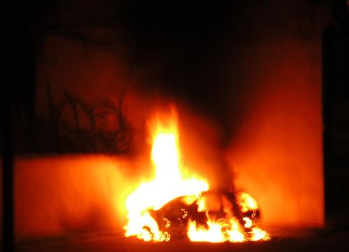 60453827_a854dfcdb7_Burning-car